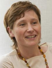 Professor Bettina Frohnapfel